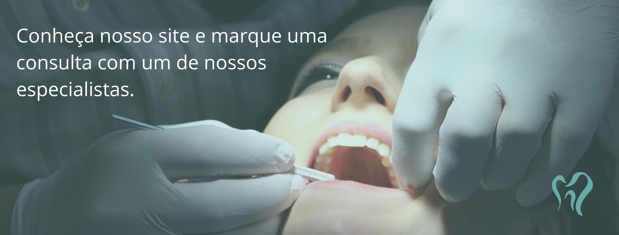 Visitar o site da clínica especializada em odontologia digital